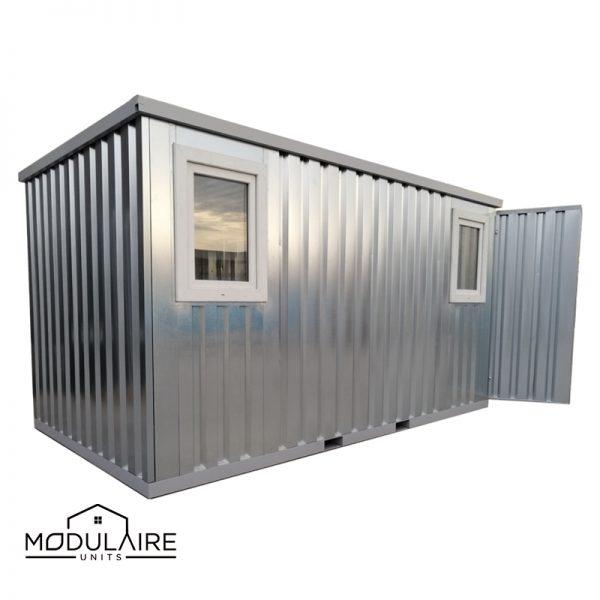 Raamcontainer 4 x 2 m met een dubbele deur aan korte zijde